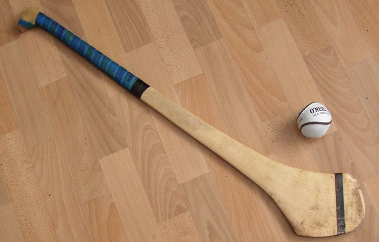 1280px-Hurling_Ball_and_Hurley