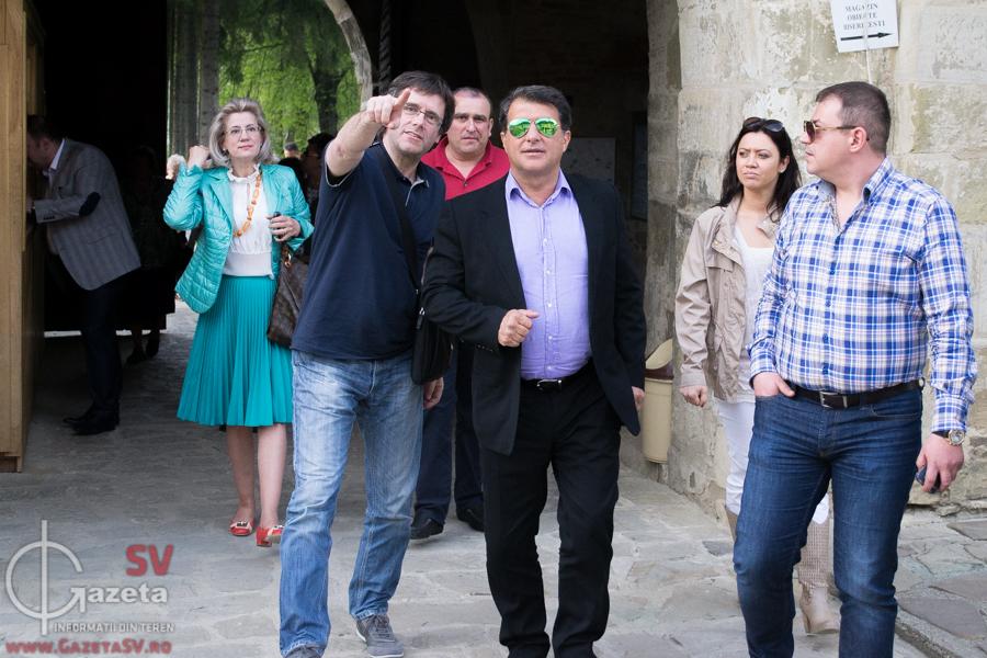 """Carles Puigdemont, """"gazda"""" lui Joan Laporta în România (Foto: Gazetasv.ro)"""