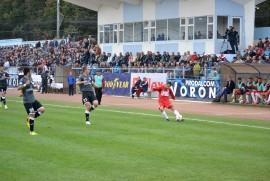 Rapid CFR Suceava s-a calificat în premieră pentru istoria clubului, în optimile de finală ale Cupei României, după ce a trecut, pe teren propriu, cu scorul de 1-0, de prim-divizionara Gaz Metan Mediaş.